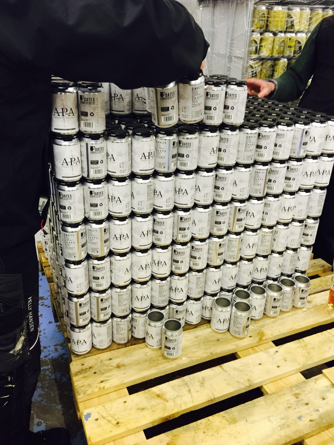 Craft canned beer - Oates APA Can conditioned beer